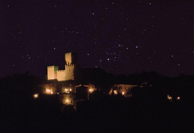 Castello di Proceno notte